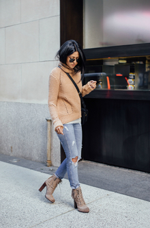 COZY TURTLE NECK, oversized sweater, ripped jeans, heel boots, ankle boots, turtle neck sweater