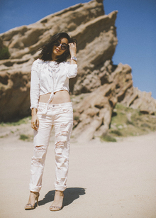 COACHELLA X LULU*S, music festival, coachella, white, destroyed denim, LMdjeans, LMfestival