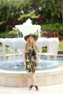 TROPICAL FLORAL, LMsandals, LMhat