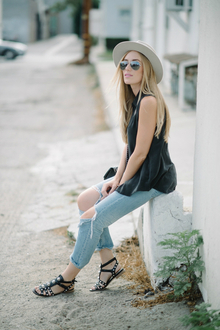 Casual Friday, LMdjeans, music festival, spring, summer, casual, destroyed denim, boyfriend jeans