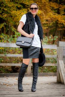 Blak&White, leather, mini skirt, black vest, white tee, graphic tee, overknee bootsm chanel bag