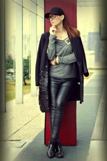 Lazy Days, leather pants, black, coat, monochrome