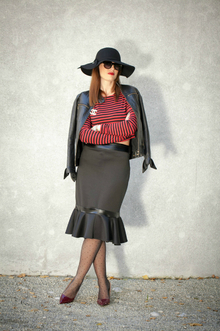 Gipsy, stripes, crop top, skirt, hat