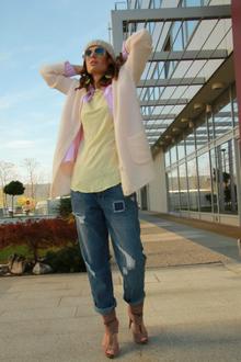 Cozy pastels, pastels, jeans, tomboy, beanie, cardigan