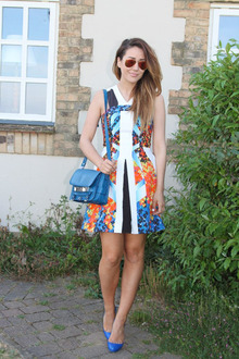 Summer Wedding Outfit Solution, rayban, peterpilotto, orangeprintdress, summer, weddings, hawaiianprint, proenzaschouler, jessicasimpson, bluepumps
