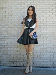 Knee-High Gladiator Heels, affordable fashion, gladiator heels, graphic tees