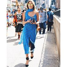 More blues and I totally love it because it's my favorite color of all time. #NYFW #streetstyle #trending, nyfwss16